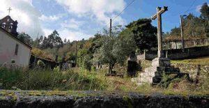 Cruceiro de la ermita de San Antón.